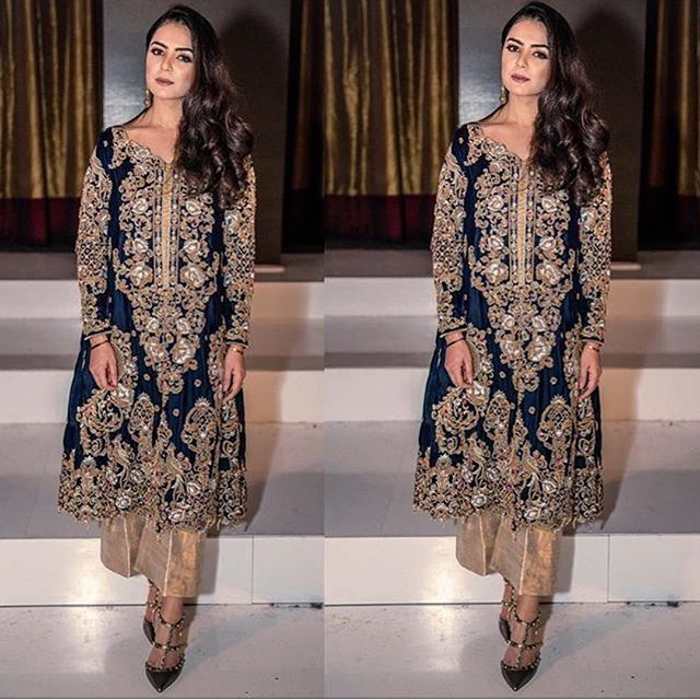@hajralalljee looking like a million bucks! At PSW10 wearing @rananomanhaq #pakistanstylehouse #pakistan #pakistani #rananomanhaq