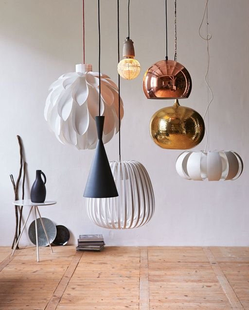 Styling: Fietje Bruijn | Photographer: Dennis Brandsma vtwonen januari 2014 #vtwonen #magazine #interior #white #copper #metal #pendant #lamp #pendantlamp #light #collection