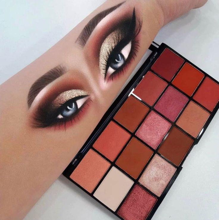 Make-up-Revolution-Palette. Senden Sie eine DM, um es zu bekommen. P #Palette #Maquiag …   – maquiagem