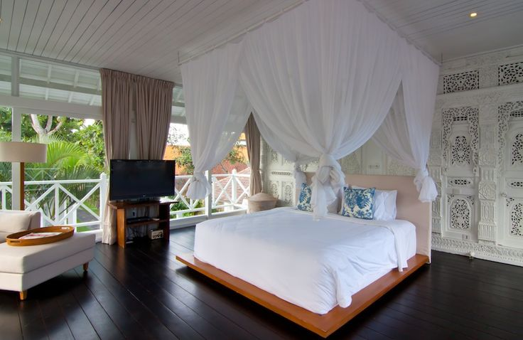 Does this bedroom make you feel like an Arabian Princess in fairy tale? Come visit the real experience at Villa Gajah Putih in Bali. http://www.thebaliluxuryvillas.com/villa/villa-gajah-putih-bali/