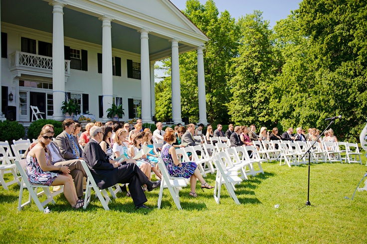Mike and Jessica couldn't have asked for a more beautiful spring day!  Photo Credit: Douglas Pettway