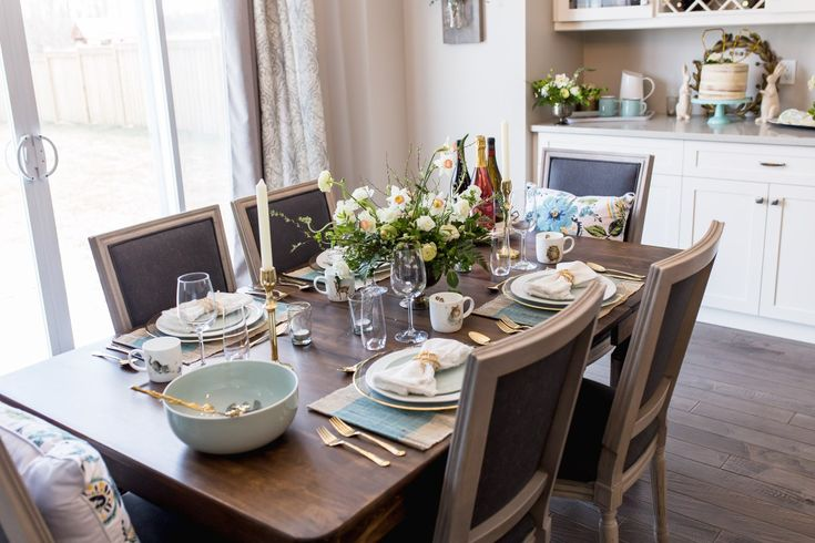 Spring entertaining ideas Easter tablescape - florals, cakes, and tableware    Honestly Alexandra