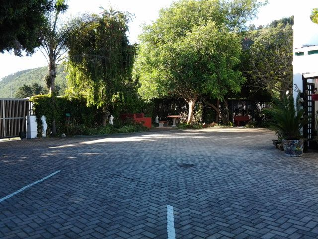 Parking area for guests on the premises.