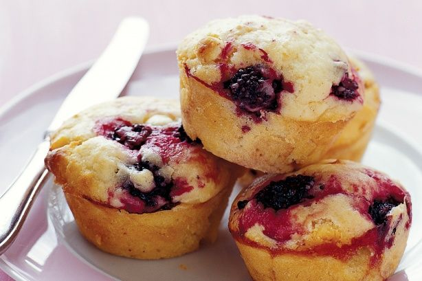White chocolate and blackberry muffins | Food | Pinterest