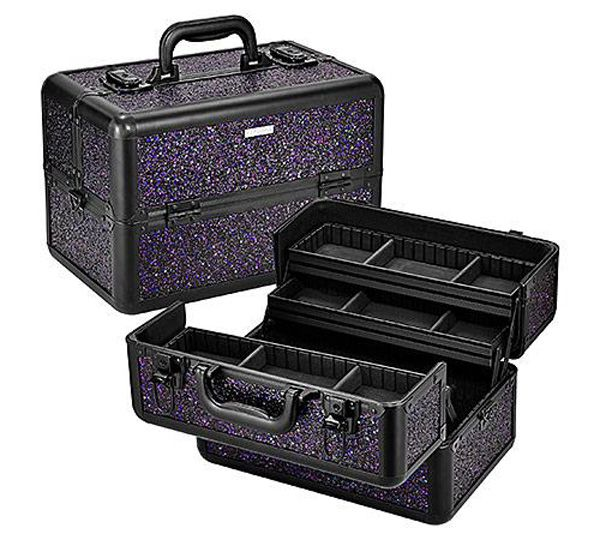 This enormous sparkly train case is gonna be the solution to my (many) beauty storage problems: http://beautyeditor.ca/2013/11/11/sephora-holiday-2013-spark-a-celebration-traincase/