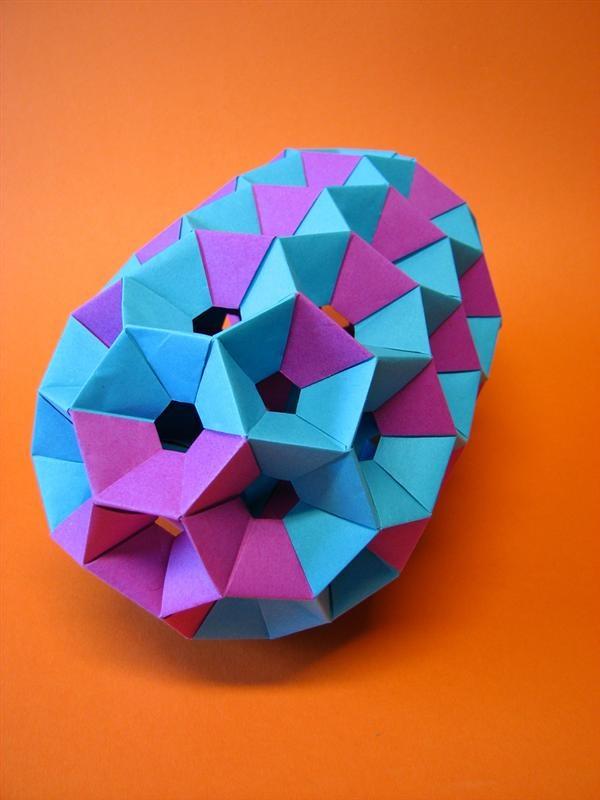 Modular origami nanotube model