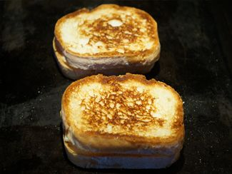Quick, easy, & delicious gluten free grilled cheese!