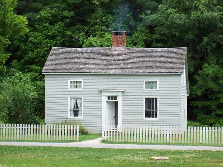 419 best images about colonial homes salt box houses on for Small saltbox house plans
