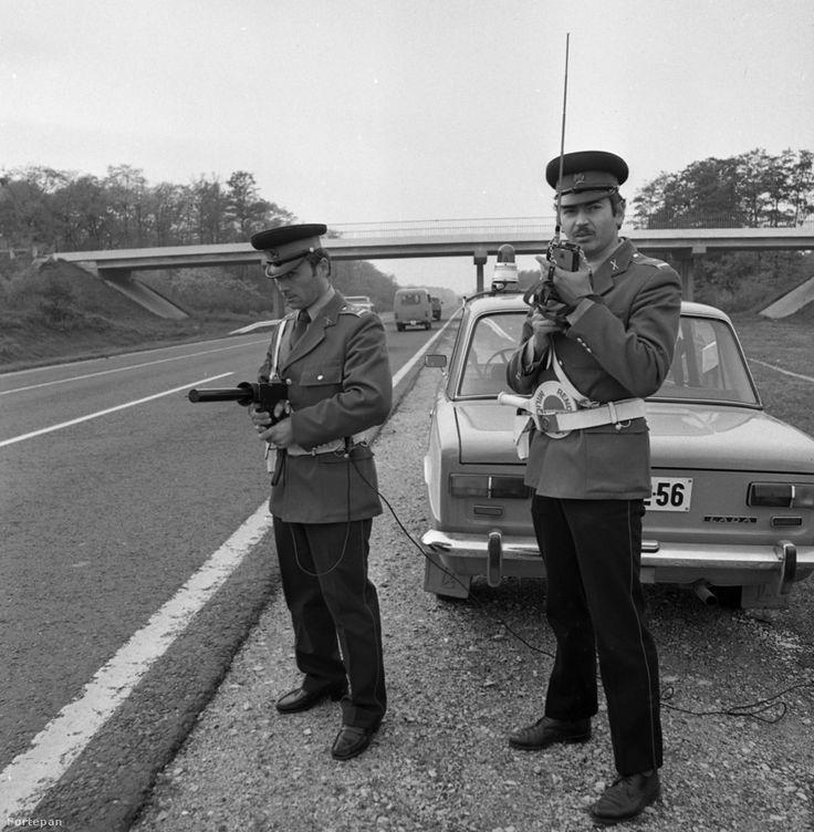 Állj vagy lövök! 1982-ben így traffipaxoltak az autópályán Ladával.