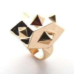 Gwen Stefani for nOir Jewelry