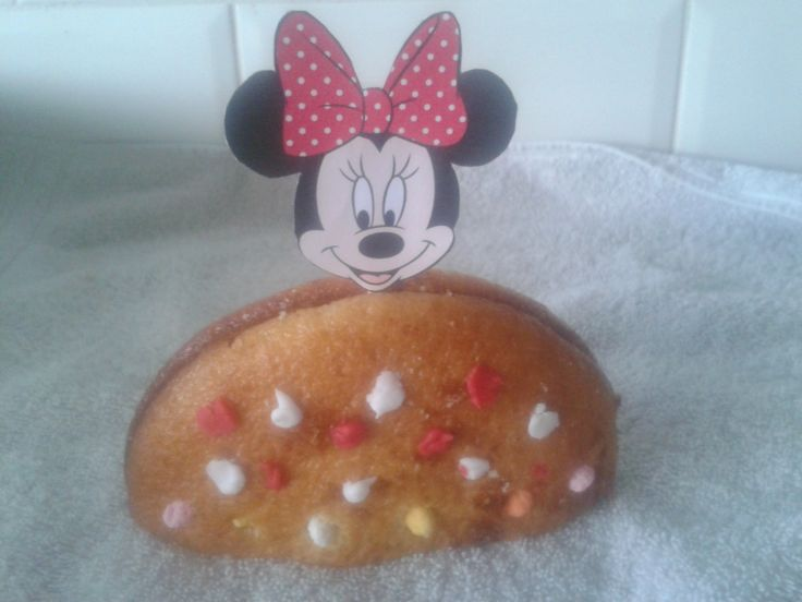 Minnie Mouse eierkoek traktatie.