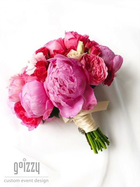 10 Romantic Peony Bridal Bouquets - http://www.surfandsunshine.com/peony-bridal-bouquets/