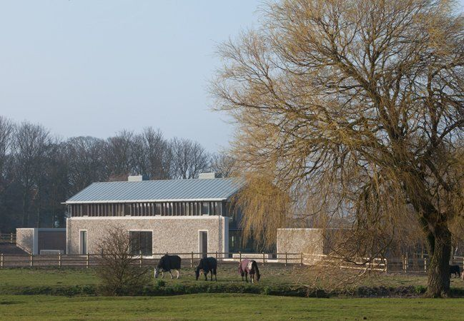Long House by Hopkins Architects is both Modern and Medieval : TreeHugger