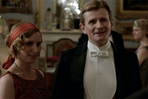 The scandalous couple in waiting. Will she be his employed mistress - I don't like it! Dumb Edith!!