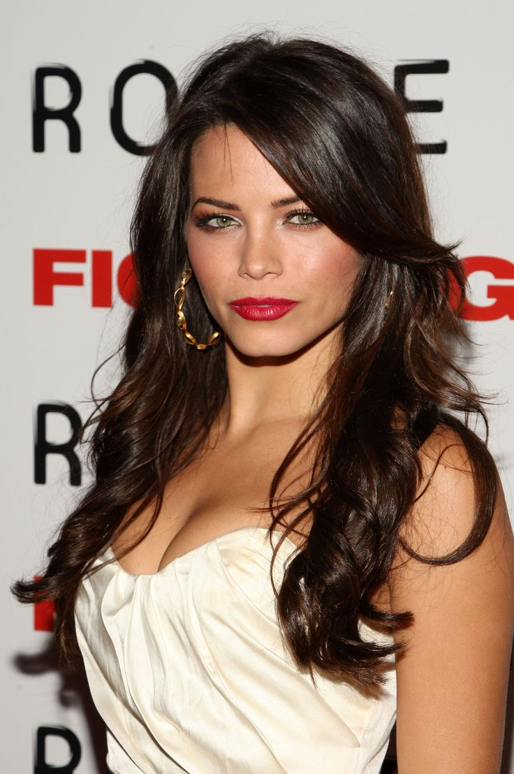Lisa ann before plastic surgery short hairstyle 2013 - Long Brown Wavy Hairstyle With Bangs 2014 Jenna Dewan S Hairstyles Jenna S Hair Is Mostly All The Same Length With A Long Side Swept Fringe And Shorter