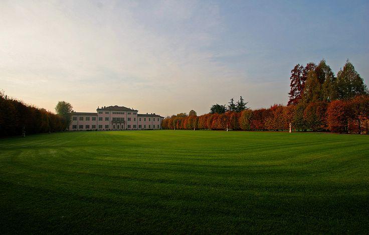 Parco retro Villa Borromeo Cassano d'Adda Milano
