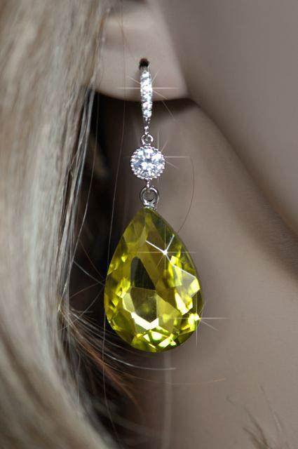 Handmade Swarovski Lime Pear Crystal Dangle Earrings (Sparkle-1965-U)