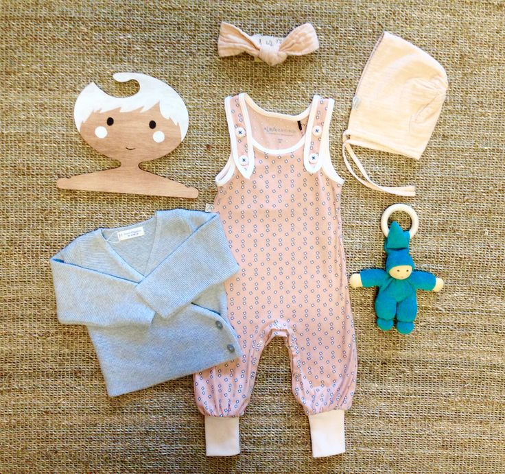 Wonderful organic baby winter outfit by @senseorganics @albababy @poudreofganic @nanchennatur now available in our @elves_in_the_wardrobe shop.