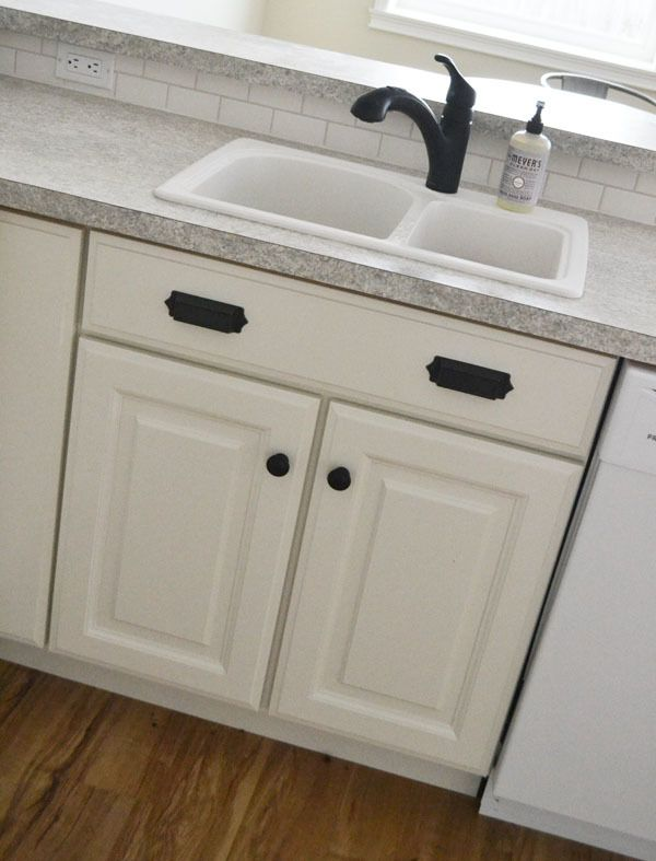 24 Kitchen Sink Base Cabinet