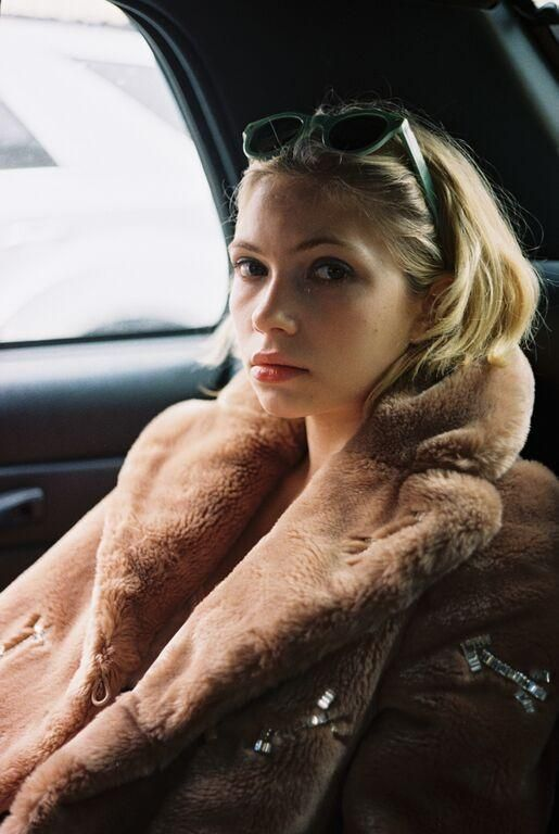Tavi Gevinson Tells Us What It's Like Being a #GirlBoss Since the Age of 15