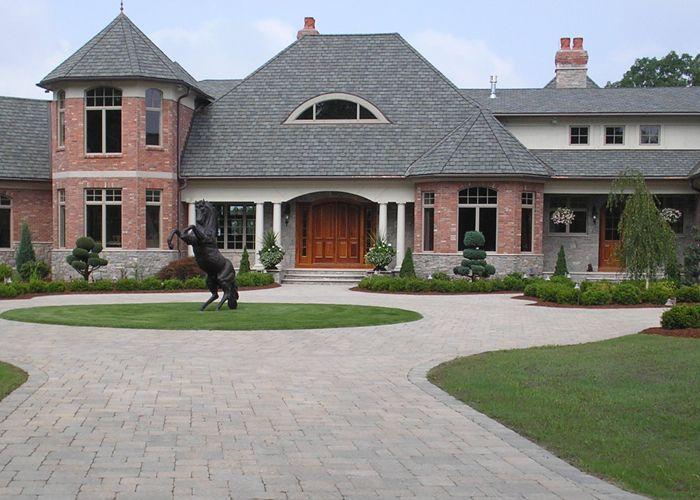 Paver circle driveway