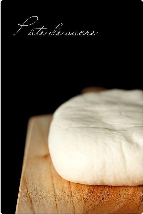 Pâte de sucre (pour décoration de gâteau)