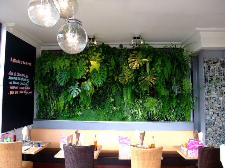 Mur v g tal int rieur pour un restaurant de saint brieuc for Platrer un mur interieur