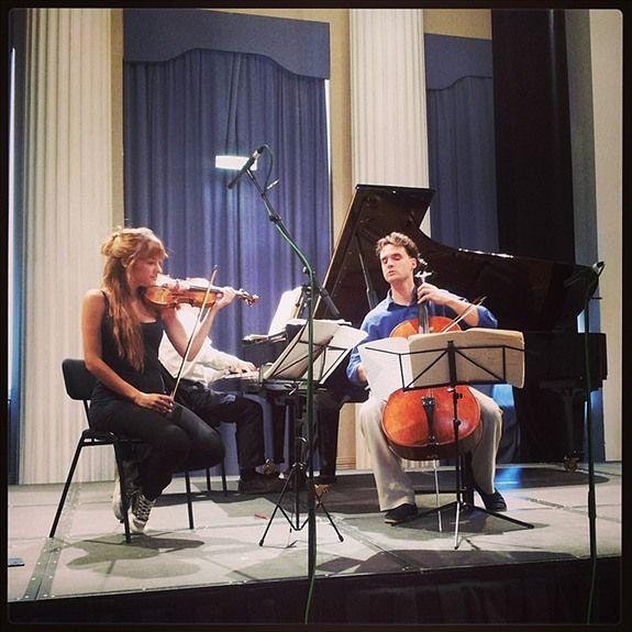 Nicola Benedetti & her Trio rehearsing