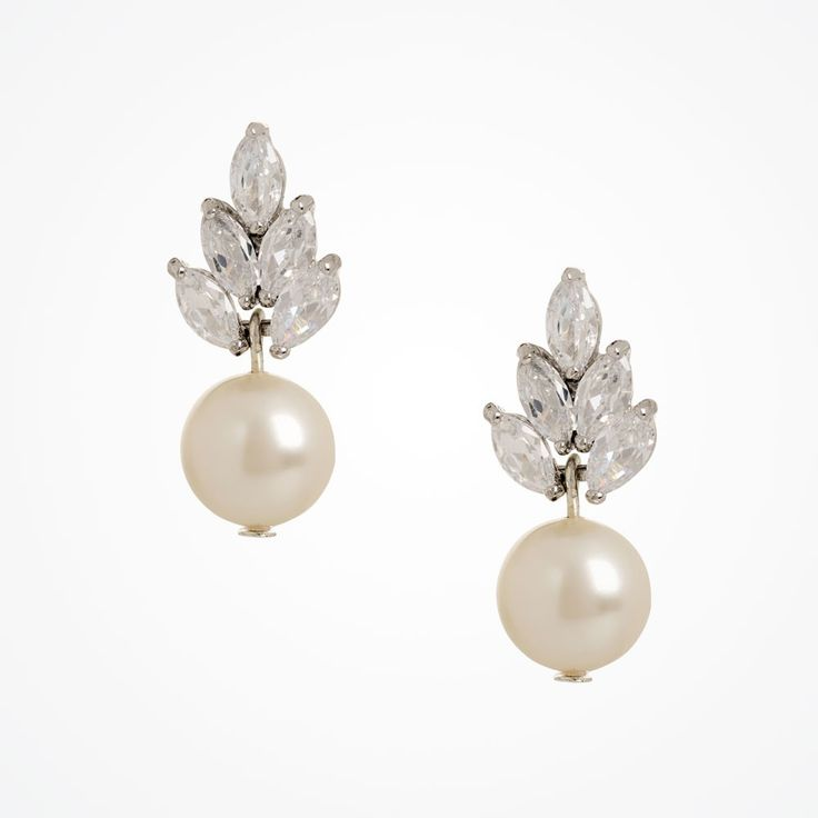 Bocheron pearl drop earrings by Stephanie Browne. #Vintage inspired pearl earrings, pearl #wedding earrings.