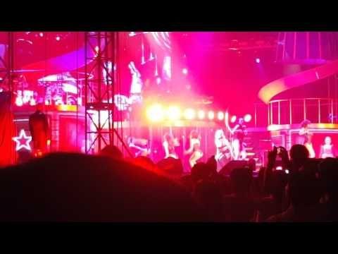 cool  Britney Spears 브리트니 스피어스 - Breathe On Me Live Concert in Seoul, Korea 17.06.10