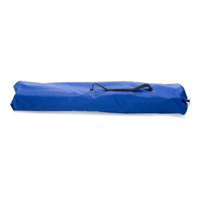 Chaise De Plage - Tarifs sur devis (contact@objetpubenligne.com) -   TO777474  Chaise camping pliable en polyester 600D avec accoudoirs et porte-gobelet intégré. Tubes en aluminium. Sac de transport compris en polyester 210D.  80 x 18 x 14 cm - 201g  Taille de marquage : 200 x 80 mm  bleu  Packaging : 8