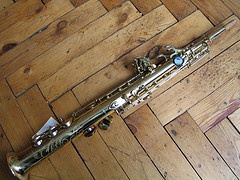 Sx1485 Selmer Series III Soprano Saxophone - Engraved, gold lacquer, Selmer case, top condition.  REDUCED FOR QUICK SALE £1995.00