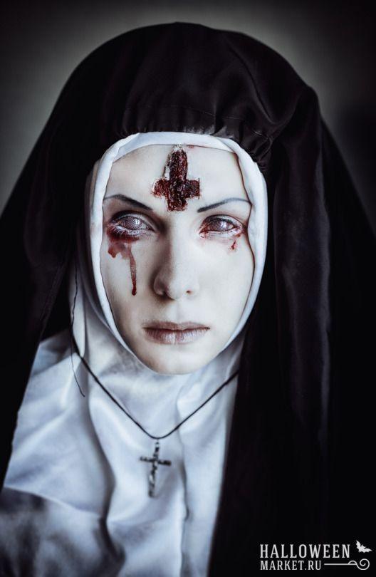 #nun #makeup #costume #halloweenmarket #halloween  #костюм #монашка #образ #страх Страшная монашка на хэллоуин (фото) Ещё фото http://halloweenmarket.ru/%d1%81%d1%82%d1%80%d0%b0%d1%88%d0%bd%d0%b0%d1%8f-%d0%bc%d0%be%d0%bd%d0%b0%d1%88%d0%ba%d0%b0-%d0%bd%d0%b0-%d1%85%d1%8d%d0%bb%d0%bb%d0%be%d1%83%d0%b8%d0%bd-%d1%84%d0%be%d1%82%d0%be/