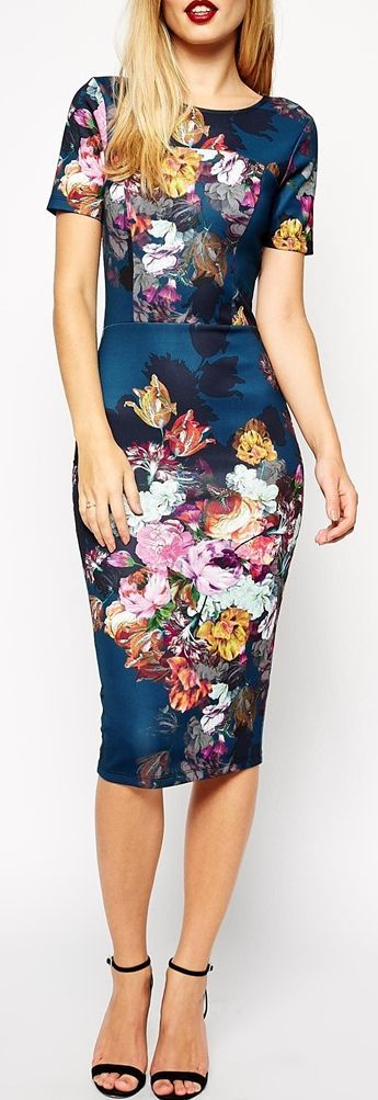 Fashion trends | Elegant floral printed pencil dress, heels