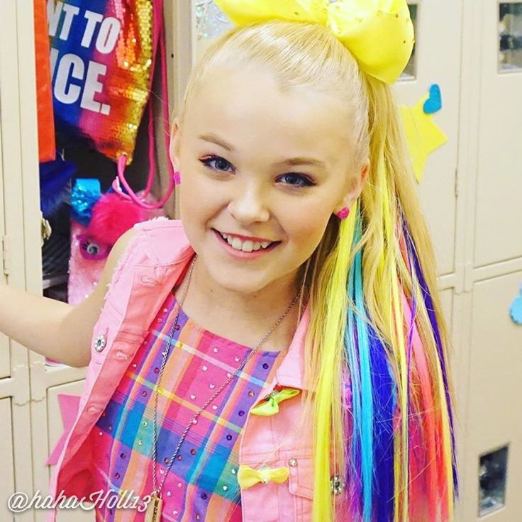 "Added by #hahah0ll13 Dance Moms #JoJoSiwa on the set of her new video ""Boomerang"""