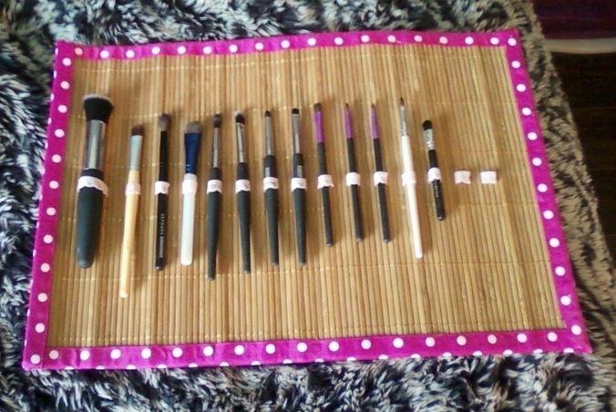 17 migliori idee su portaposate su pinterest riciclare - Porta pennelli fai da te ...