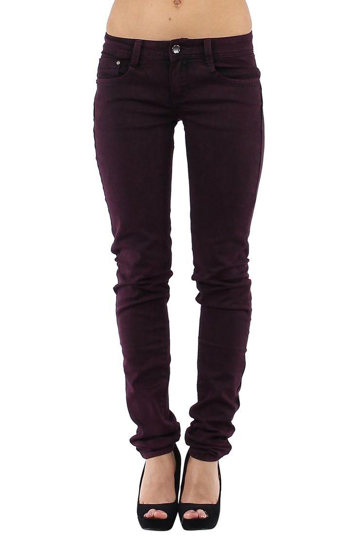 Pantalón vaquero de mujer Push Up Jeans muy ajustados Push-up marsala Condición:  Nuevo Composición 68% algodón, 30% poliéster, 2% elastano Categoría Pantalones Jeans Paquetes 10 unidades Los paquetes de cada color Tamaño : 34 (XS), 36 (S), 38 (M), 40 (L), 42 (XL) De color Marsala  mayoristas de ropa vaqueros al por mayor: http://intueriecommerce.com/es/