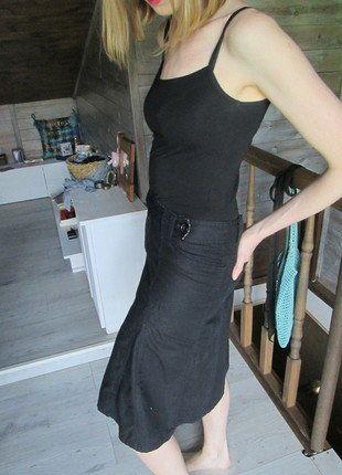Kup mój przedmiot na #vintedpl http://www.vinted.pl/damska-odziez/spodnice/18315111-spodnica-midi-czarna-rozkloszowana