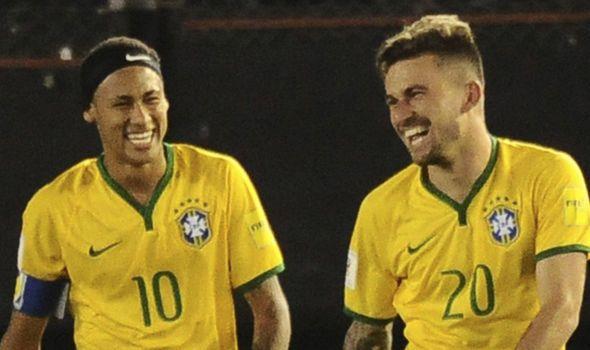 Lucas Lima to Barcelona: Neymar welcomes Santos midfielder transfer - http://buzznews.co.uk/lucas-lima-to-barcelona-neymar-welcomes-santos-midfielder-transfer -