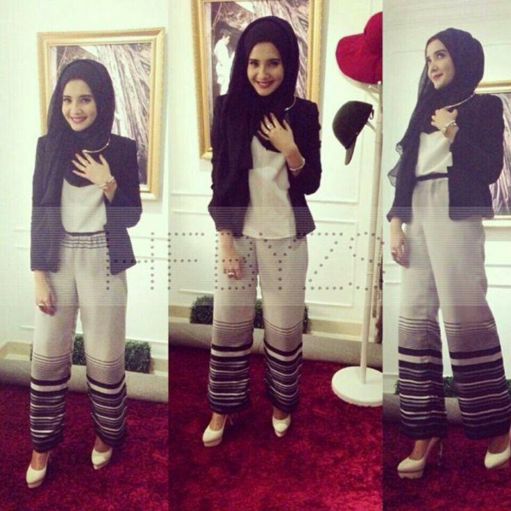 Zaskia Sungkar #hijab #hijabfashion hashtag hijab