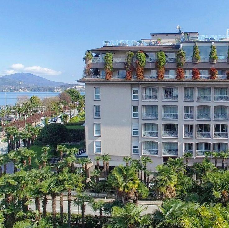 С добрым утром друзья! Поздравляем вас с Днём Победы Искреннее желаем мирного неба над головой С праздником!  P.S. Погода в Столице не радует так что мы вспоминаем солнечную Стрезу и великолепный отель  La Palma в котором проходил наш фестиваль #StresaWeddingFest