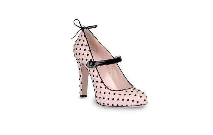 Dalla collezione di scarpe Red Valentino, mary jane a pois.