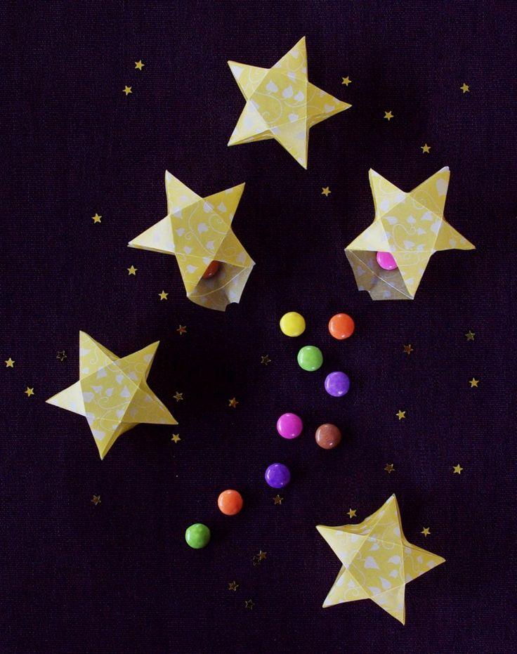 Origami Sterne 3D falten Faltanleitung Lichterkette basteln Sterne selber machen Anleitung DIY kostenlos fertig 6