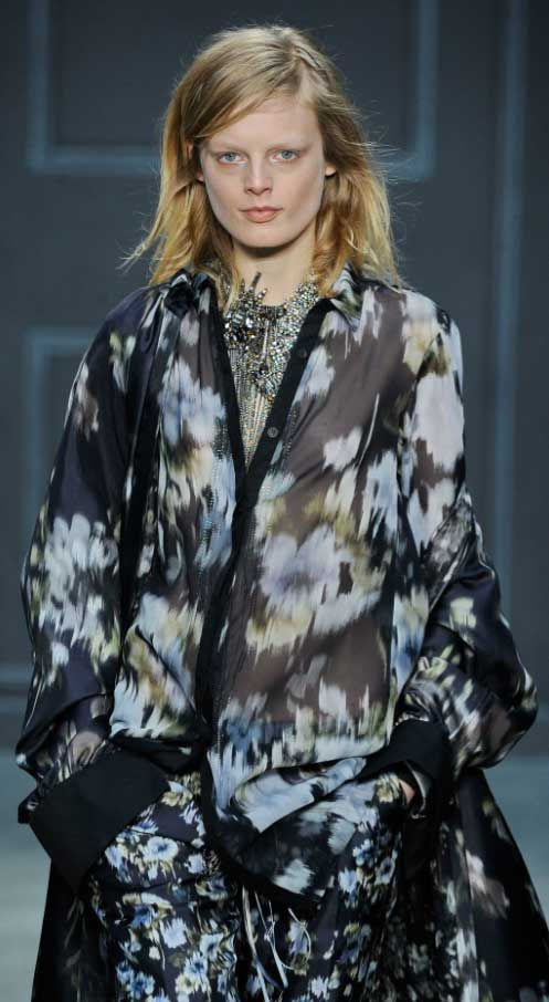 BLURRED FLOWERS. Vera Wang. Adding a soft touch to the season, blurred, indistinct, smudged and watery motifs are continuing.