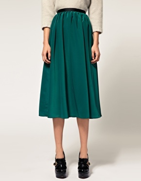 Oh how I love midi skirts, especially when they come in this awesome aqua greenish color :D
