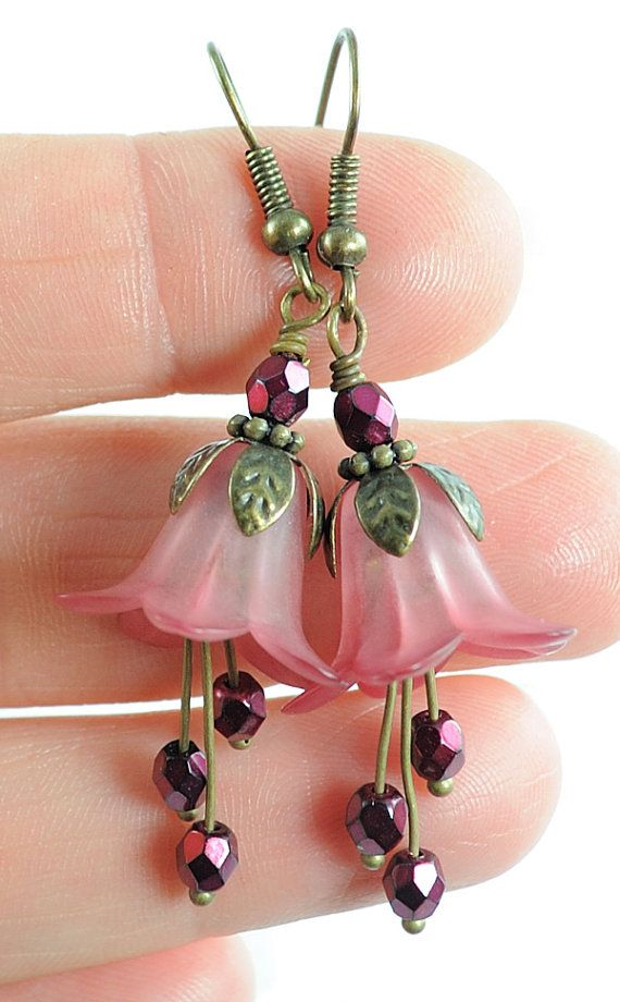 Pink and Red Flower Earrings. Dangle Earrings Long por Dalim