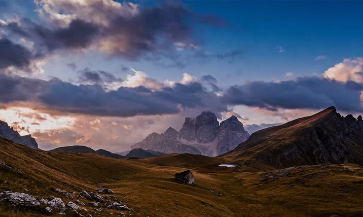 VIDEO Travel through the mountains, di Enrico Righetti    #Italia #timelapse