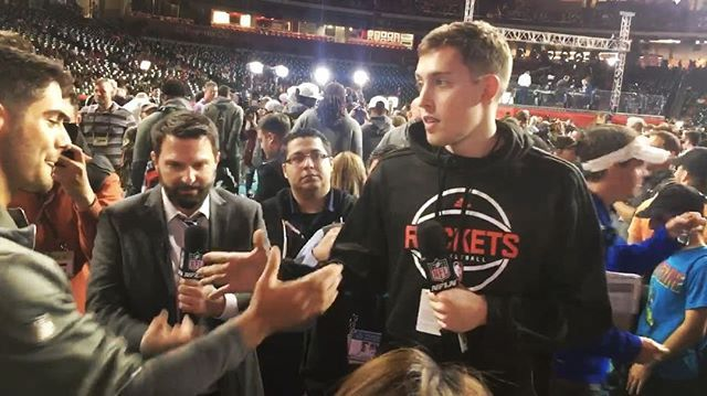 @Patriots backup QB Jimmy Garoppolo meets @houstonrockets backup forward Kyle Wiltjer at #SBopeningnight.