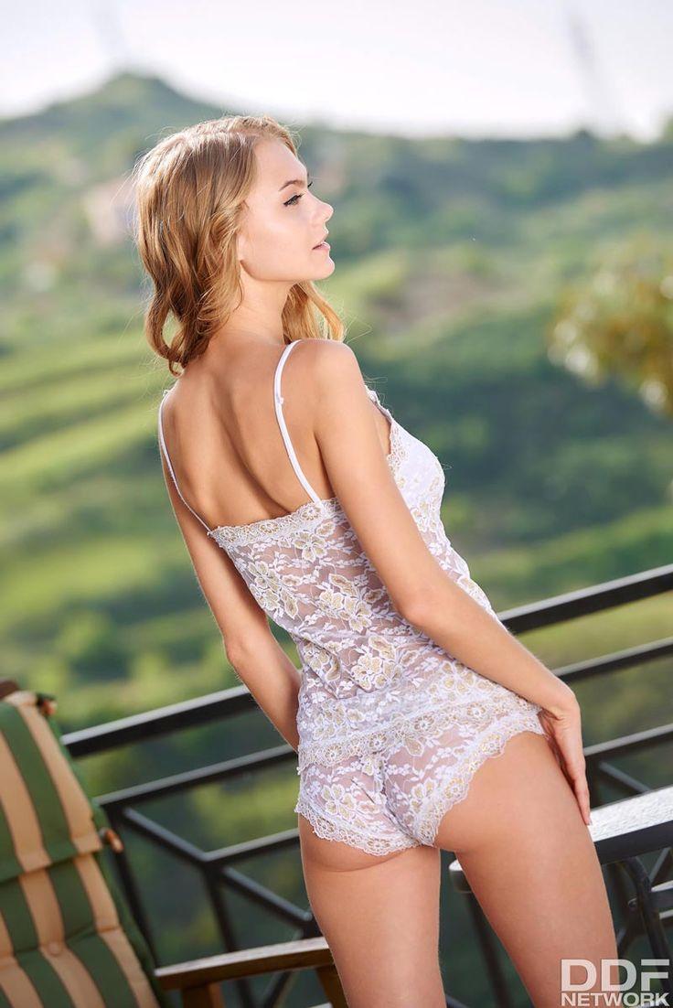 sexy nude girls giving blow job gif