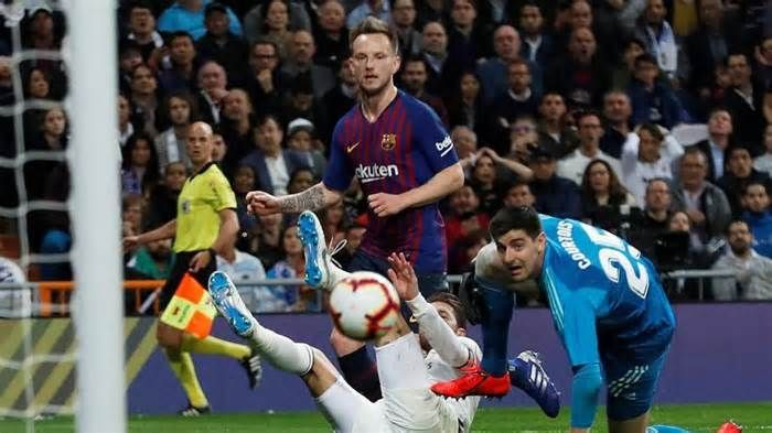 Real Madrid Vs Barcelona La Liga Wants El Clasico Switched To Madrid Over Catalan Protests Get The Latest News For Realmadrid Inside Pinterest On This Board